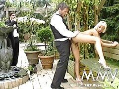 White Wifes Abigail Mac & August Ames Service Con gà trống sex vietsub hd đen