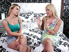 Sophia Knight và Franceska Jaimes khiêu khích từ những cái vuốt phimsex vietbus ve lẫn nhau