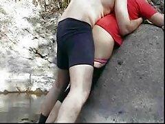 Sienna Day xoa âm vật khi videos sex vietsub ngồi trên chiếc ghế trong suốt