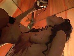 Liếm liếm sexviet co phu de âm đạo của người mẫu trước khi chèn vòi nước